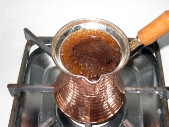 turkish-coffee-foaming