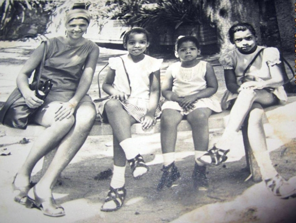 Tania, with mom and sisters, mid-1970s, Cuba